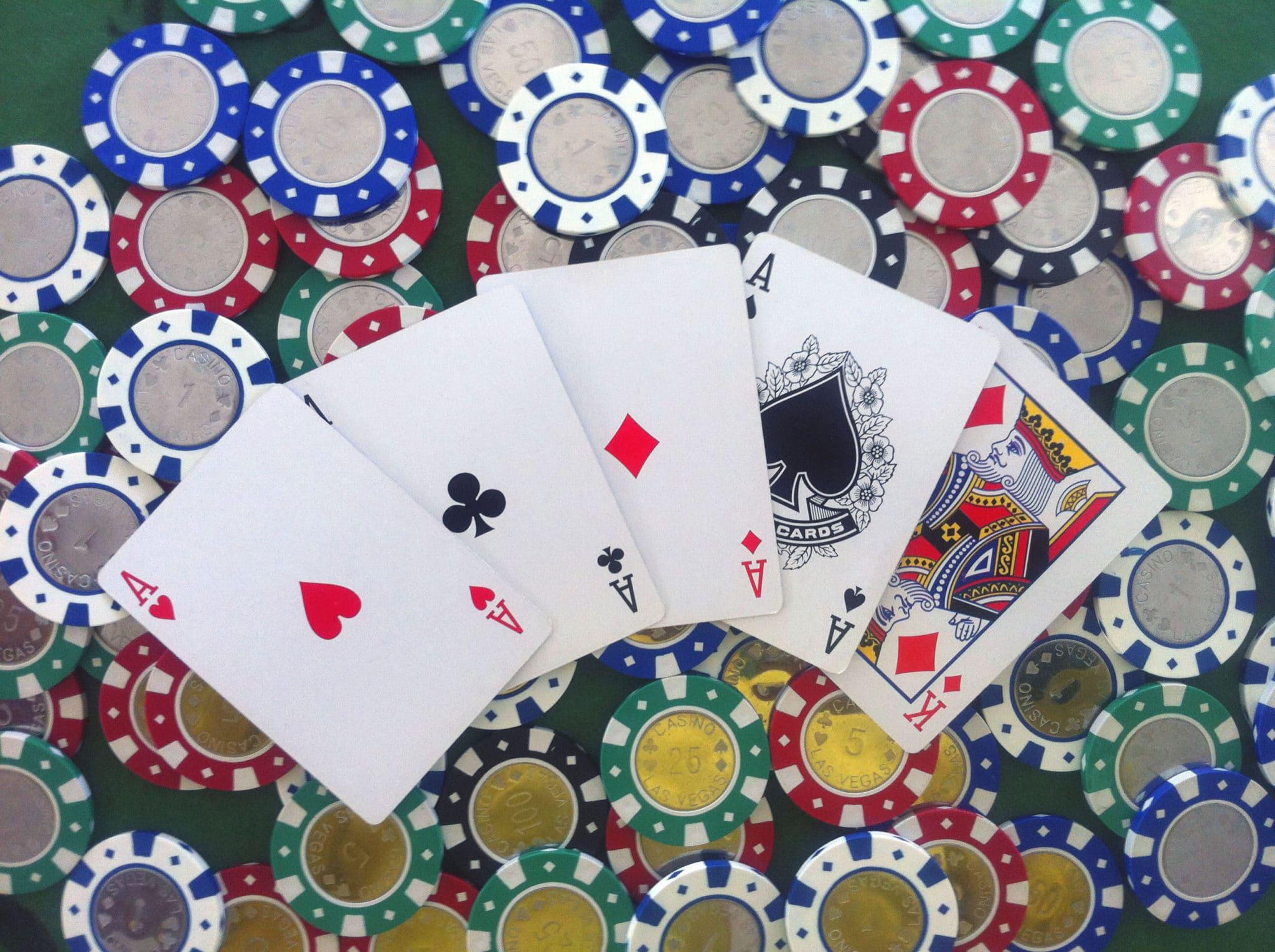 regle poker regles de jeux toutes vos r gles de jeux. Black Bedroom Furniture Sets. Home Design Ideas